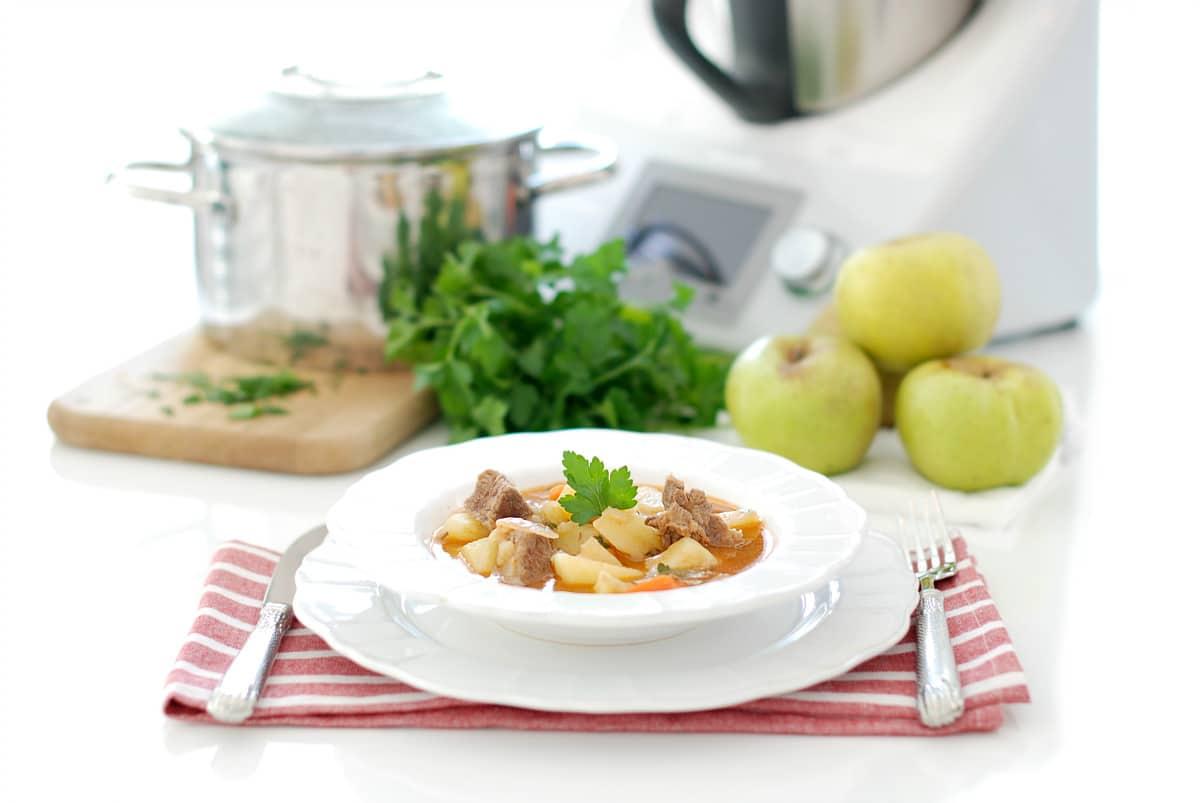 Guiso de ternera con patatas en Thermomix®