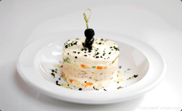 Pastel de ensaladilla bimbo para los paquetes de tu pan favorito