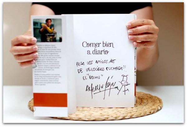 Alfonso nos ha firmado un libro para vosotros, ¿será para ti?