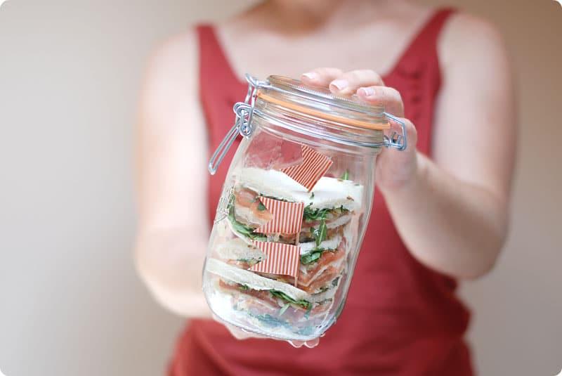 Sandwich de salmón con brotes de soja