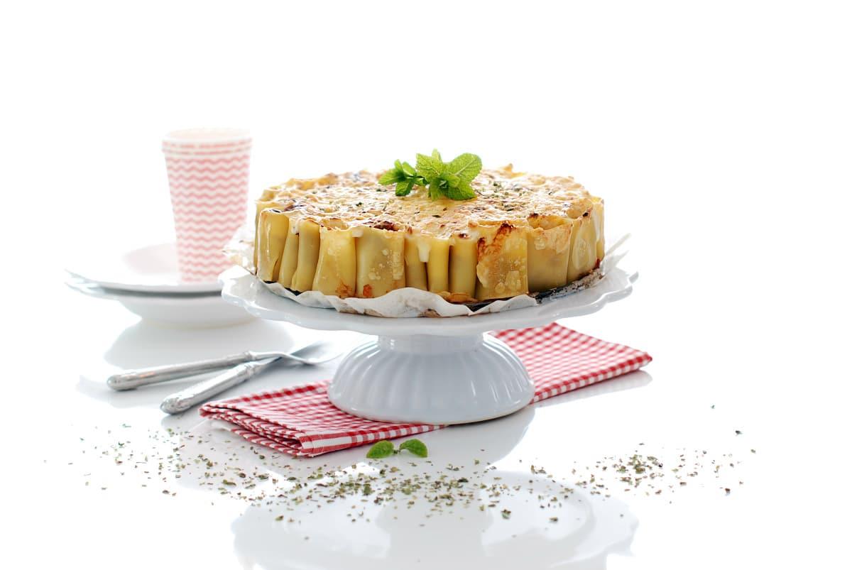 Tarta de macarrones con boloñesa