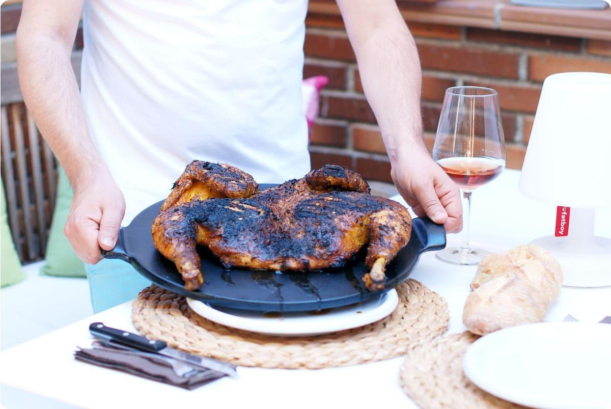 Pollo asado a la rana en barbacoa