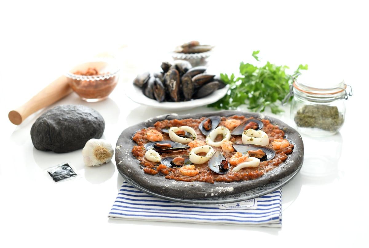 Pizza frutti di mare o marinera