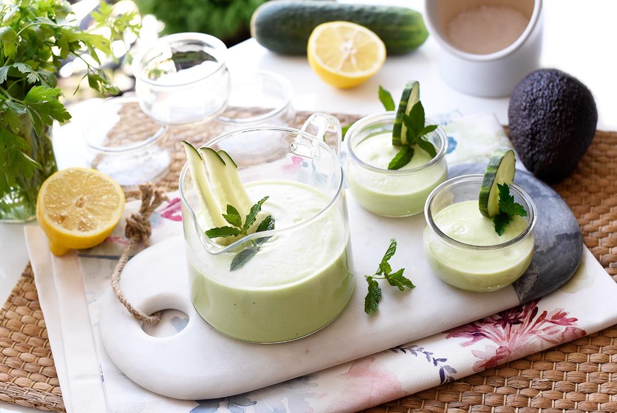 Crema fría de pepino y aguacate